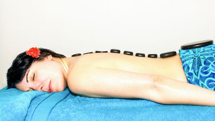 massage relaxation mains corps corporel touché toucher pierre chaude hand métier job reportage masseuse kiné photographe professionnel pays de la loire loire-atlantique vendée maine et loire nantes angers cholet montaigu la roche sur yon 44 49 85