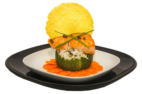 plat culinaire traiteur poisson saumon carottes courgette gastronomie restaurant  cuisine cuisinier chef étoilé photographe professionnel pays de la loire loire-atlantique maine-et-loire vendée nantes angers montaigu la-roche-sur-yon 44 49 85