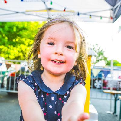 portrait enfant fille girl couleurs colors photographe 44 49 85 pays de la loire loire-atlantique maine et loire vendée