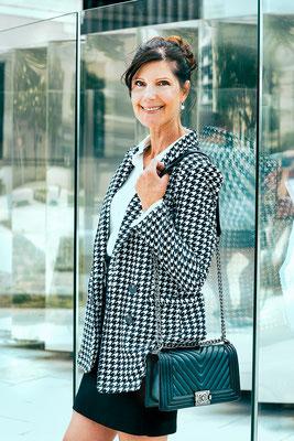 portrait femme d'affaire classe lifestyle colors urbain urban photographe angers pays de la loire loire-atlantique maine et loire  44 49