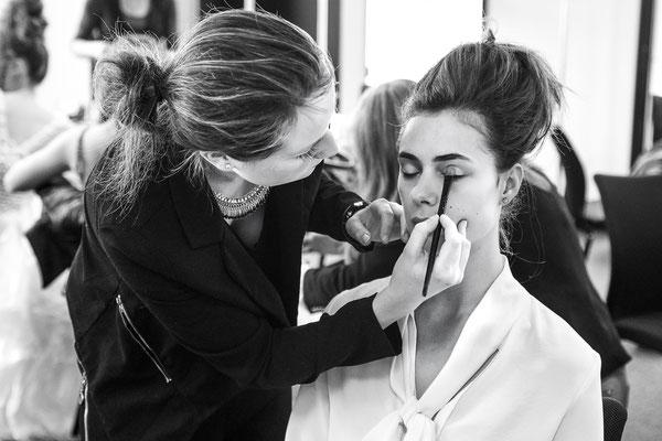 maquillage make-up artistique événement défilé mode modèle model miroir photographe professionnel pays-de-loire loire-atlantique maine-et-loire vendée nantes angers montaigu la-roche-sur-yon saint-nazaire 44 49 85