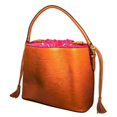packshot produit sac à main milake paris magasin boutique commerce commerçant commercial catalogue photographe professionnelle pays de la loire loire-atlantique maine-et-loire vendée nantes cholet montaigu la roche sur yon 44 49 85