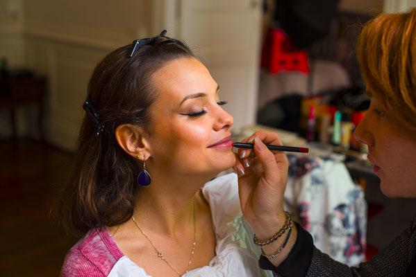 maquillage visage make-up beauty eyes regard lèvres face portrait pinceau backstage making-of préparation maquilleuse photographe professionnel pays de la loire loire-atlantique maine et loire angers  nantes 44 49