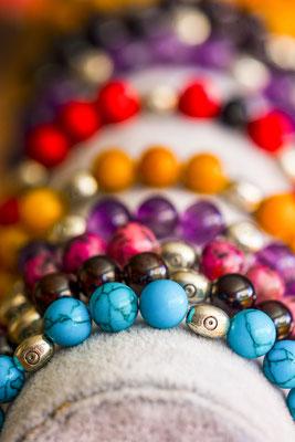 bijoux bracelets photographie produit produits perles couleurs professionnel professionnels accessoire accessoires jewelry photographe pays de la loire loire-atlantique maine-et-loire vendée la roche sur yon nantes cholet montaigu 44 49 85