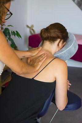 massage relaxation mains corps corporel touché toucher hand métier job reportage masseuse kiné photographe professionnel pays de la loire loire-atlantique vendée maine et loire nantes angers cholet 44 49 53 85