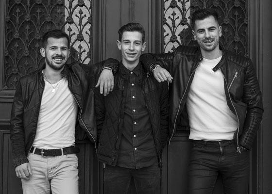 famille cousins angers friends amis frères sourire happy smile noir et blanc blanckandwhite portrait photographe 44 49 85 pays de la loire