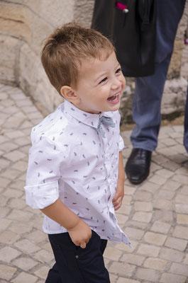 portrait enfant sourire smile boy garçon happy mariage wedding baptême photographe 44 49 85 pays de la loire loire-atlantique maine et loire vendée