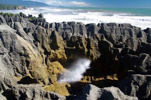 Pancake Rocks, South Island © 2011 Stefan Pompetzki
