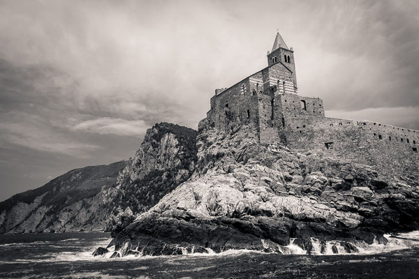 L'église de San Pietro à Portovenere dans les Cinque Terre - Italie