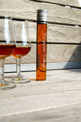 cognac in Tube 2 glazen