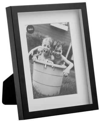 Wir haben eine große Auswahl diverse moderner Bilderrahmen in Fotogrößen!