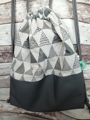 Turnbeutel Gymbag Rucksack Pyramide Pyramiden Dreiecke Triangle handgemacht Handarbeit handmade SaSch Selbstgefertigtes aus Schwaben