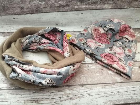 Loop Schal Beanie Mütze Set Blumen Rosen handgemacht Handarbeit handmade SaSch Selbstgefertigtes aus Schwaben