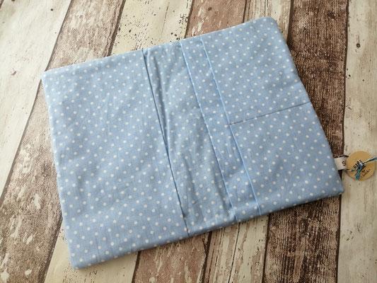 Windeltasche Wickeltasche togo Punkte Tupfen dots gepunktet handgemacht Handarbeit handmade SaSch Selbstgefertigtes aus Schwaben