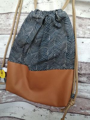 Turnbeutel Gymbag Rucksack beige handgemacht Handarbeit handmade SaSch Selbstgefertigtes aus Schwaben