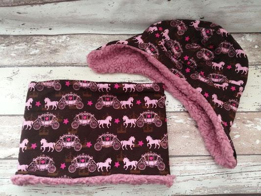 Loop Schal Wintermütze Mütze Set Pferde Kutsche handgemacht Handarbeit handmade SaSch Selbstgefertigtes aus Schwaben