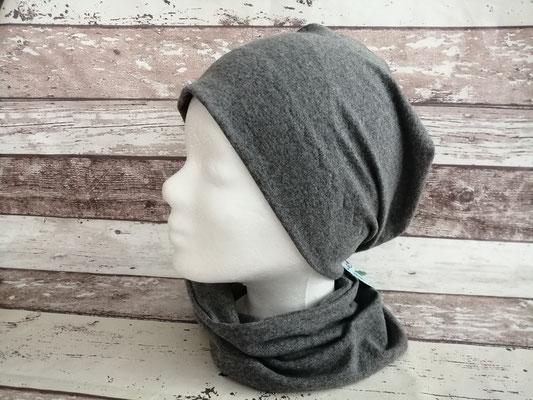 Mütze Beanie grau handgemacht Handarbeit handmade SaSch Selbstgefertigtes aus Schwaben