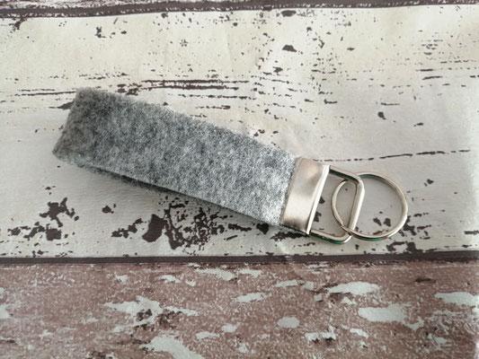Schlüsselband Schlüsselbänder Filz grau handgemacht Handarbeit handmade SaSch Selbstgefertigtes aus Schwaben
