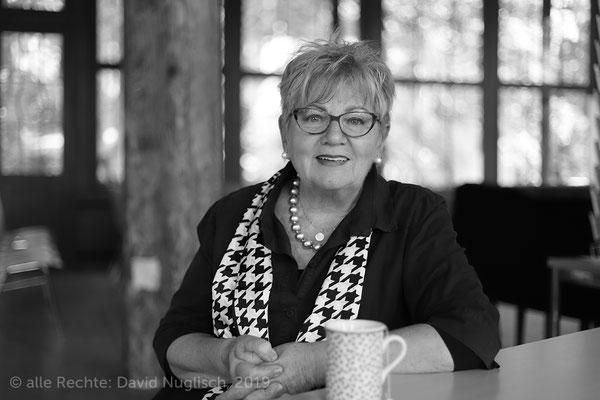 Monika Alexandra Kämpfer, Diplom-Philosophin, stellv. Vorsitzende des Vereins Chinesischer Pavillon zu Dresden e. V.
