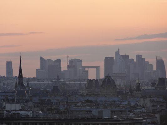 Observer - (La Défense vue de Bastille)