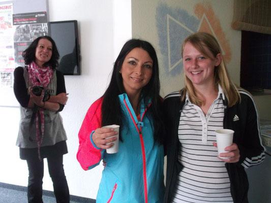 jung und dynamisch unsere Übungsleiterinnen Monique und Anna-Maria