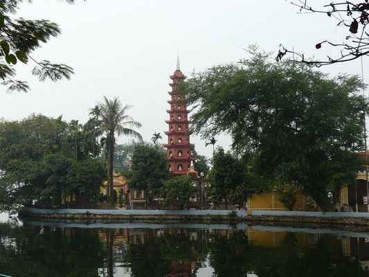 Vietnam - Hanoi, 2011 - Jadeberg-Tempel