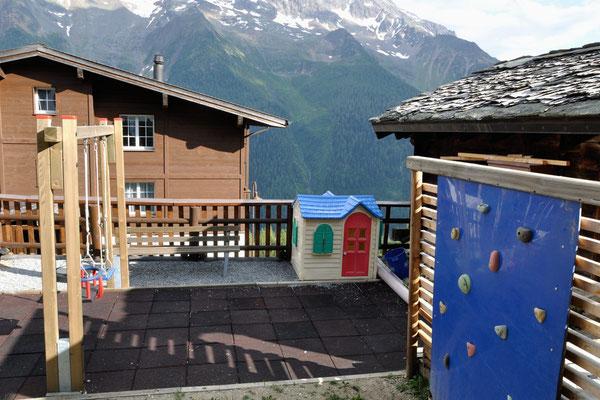 Kinderfreundlichkeit, Aussenspielgelände Alpine Village, Wallis