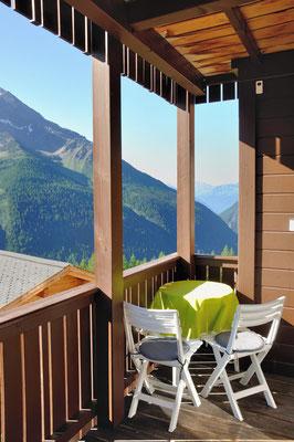 Balkon 6.6 West-Blick Richtung Rhonetal, Sommer