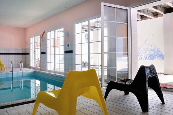 Lauchernalp, Alpine Village, Wohnung 6.6, Schwimmbad im Haupthaus