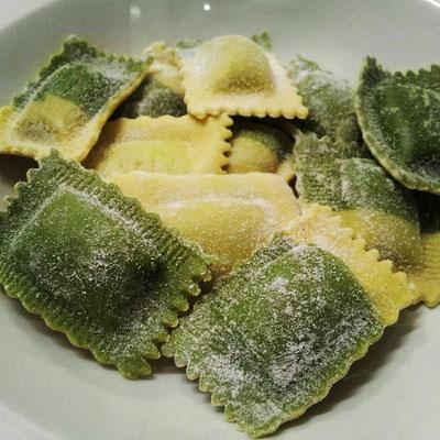 Ravioli freschi ricotta e spinaci - 20.01