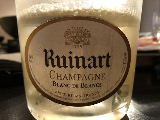 top champagne Ruinart blanc de blanc, subtiel, elegant, complex en toch onderliggen,de power.