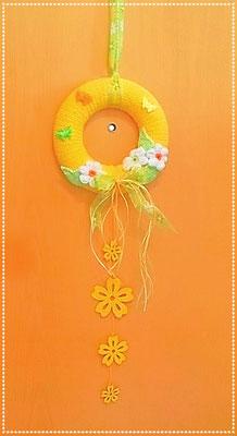 Sommerkranz, umhäkelt mit Baumwollgarn, gelb