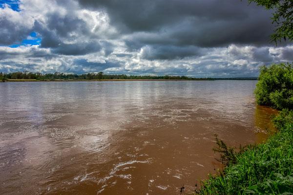 Der Limpopo wurde tags zuvor innert wenigen Minuten geflutet und war einige Meter höher