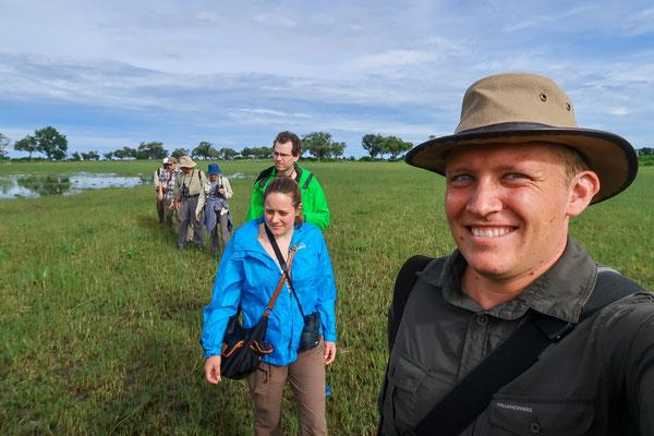 Zu Fuss unterwegs im Okavango Delta