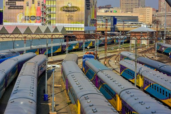 Die Metros, die Hauptverkehrsachse vor allem Richtung Soweto.