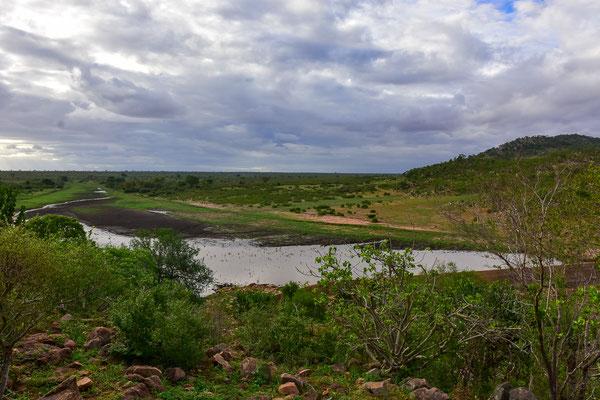 am Mlondozi Dam, der noch einiges an Wasser braucht