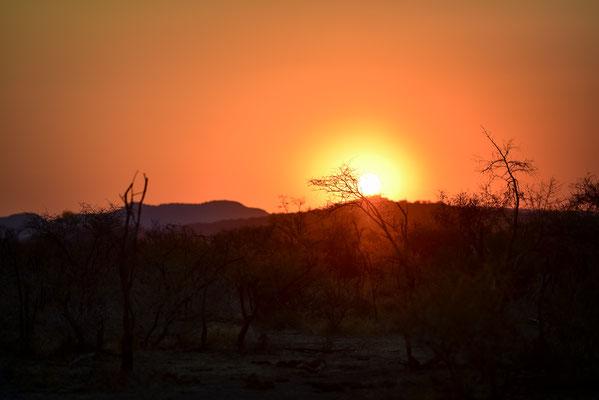 Der letzte afrikanische Sonnenuntergang der Reise
