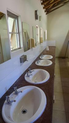 Sanitäranlagen eines Krüger Campingplatzes