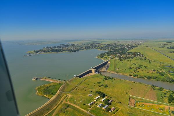 Rundflug über den Vaal Dam