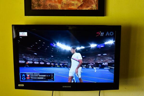 Dank Fernseher konnte das Federer Spiel geschaut werden