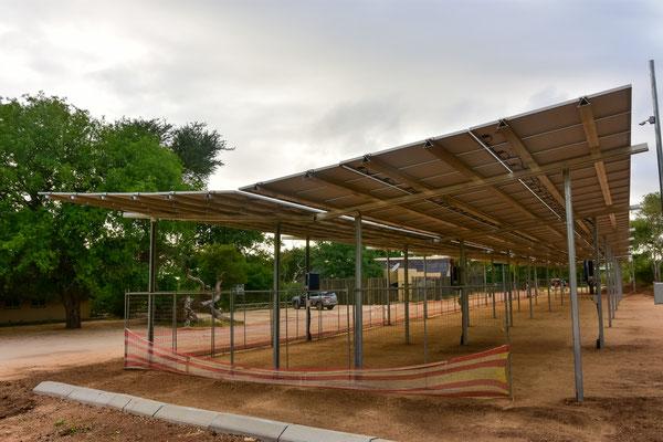 Solar-Parking in Nkuhlu im Bau