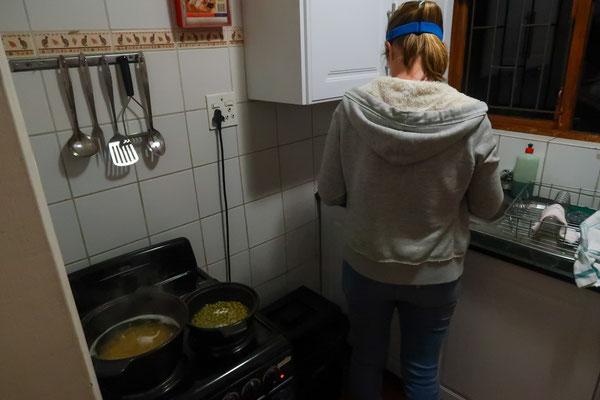 Kurzer Stromausfall - deshalb kochen mit Stirnlampe