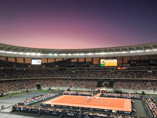 Zuerst im Show-Doppel Bill Gates/Federer vs Trevor Noah/Nadal...