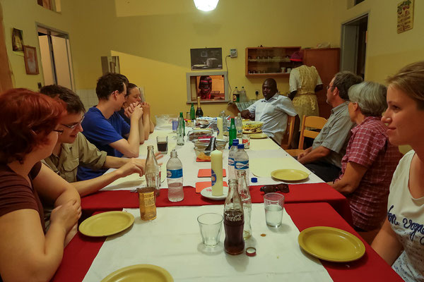 Dinner in der Mission in Matibi