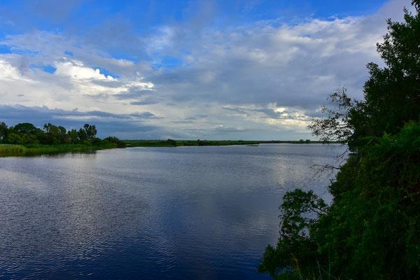 Blick von der Chobe Safari Lodge auf den Fluss
