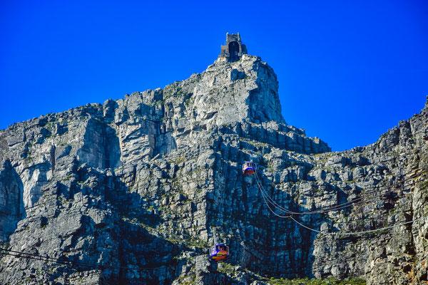 Schweizer Gondeln für die Fahrt nach oben ;)