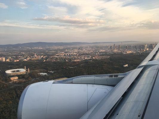 Willkommen zurück (Anflug in Frankfurt)