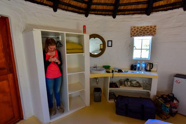 De Hoop Unterkunft mit Ani im Schrank um nicht auf dem nächsten Foto zu sein