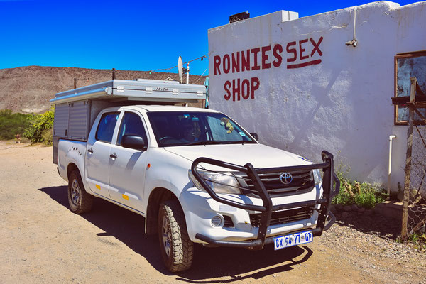 Ronnies Sex Shop!