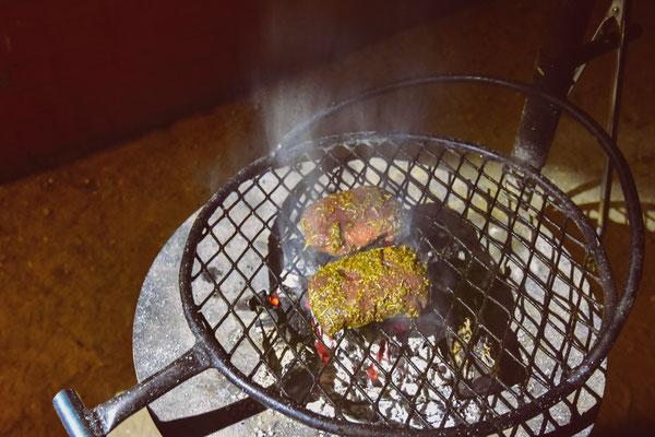...Straussen-Steaks